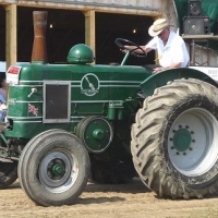 feature tractor 1