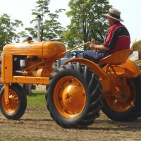 feature tractor 2